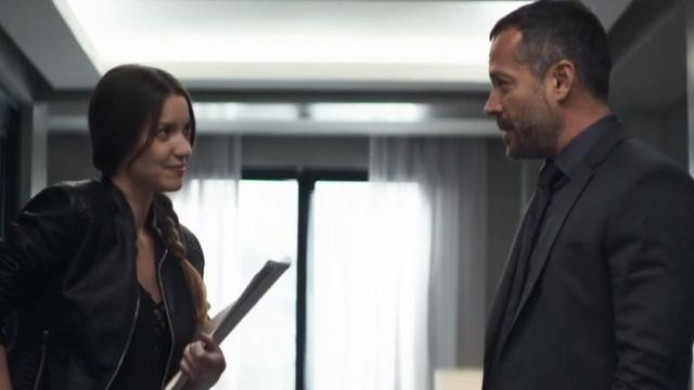 Fabiana vai flagrar Agno com garoto de programa e vai passar a chantageá-lo
