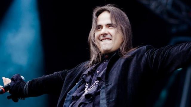 Morre André Matos, vocalista do Shaman, aos 47 anos