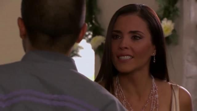 Vanessa joga a culpa pela morte de Federico nas costas de Ana Paula que tenta se defender