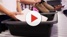 Científicos afirman que en los aeropuertos las bandejas de seguridad son lo más sucio