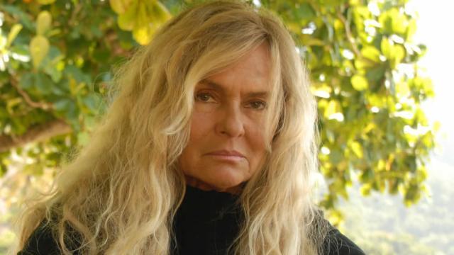 Ex-nora de Chico Anysio e personagem da Escolinha vira escritora
