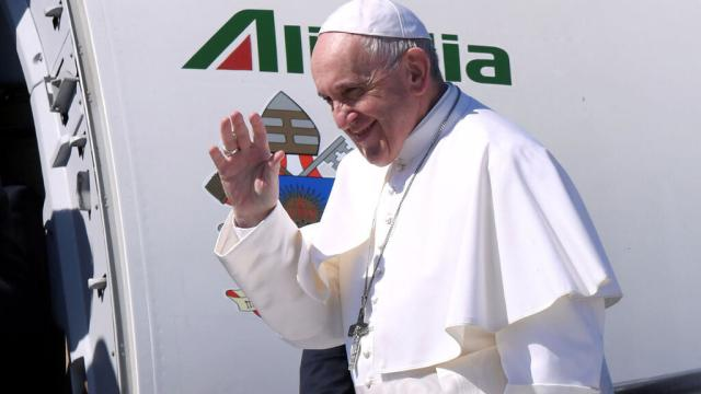 VOX pretende que el Papa acoja en el Vaticano a todos los inmigrantes ilegales