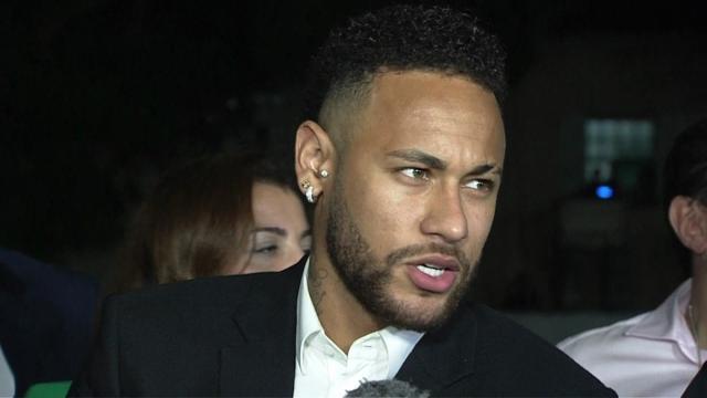 Neymar conta em depoimento que Najila dizia que o amava e que queria casar com ele