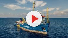 Sea Watch vorrebbe sbarcare in Italia, Salvini non intende cambiare la sua linea