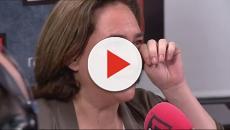 Ada Colau dice haber estado a punto de abandonar la política y rompe a llorar