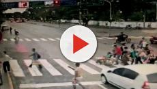 Idosa cadeirante é atropelada e morre enquanto atravessava na faixa com o sinal fechado