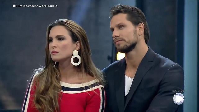 Após discussão, Eliéser nega beijo para esposa Kamila no 'Power Couple'