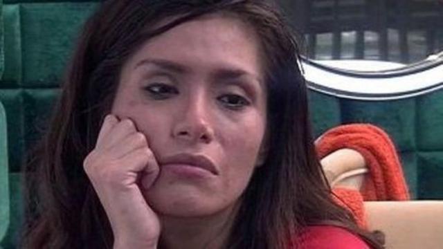 A Miriam Saavedra sus compañeros de GH VIP no le hacen ni caso