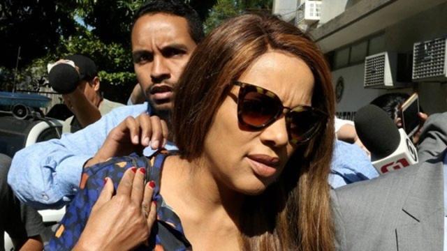 Flordelis visita filho na delegacia e fala sobre acusações: 'não acredito no envolvimento'