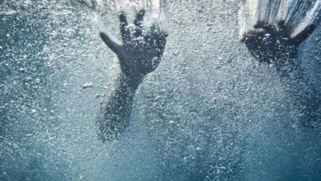 Pai que tentou salvar filho de afogamento e os dois acabam falecendo