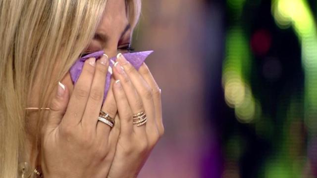 Oriana Marzoli en Supervivientes recibe un mensaje de su ex novio Luis y rompe a llorar