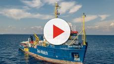 Lampedusa, la Sea Watch vuole forzare il blocco ed entrare in acque italiane