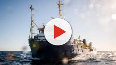 Sea Watch 3, il comandante forza blocco imposto dall'Italia e si dirige verso Lampedusa