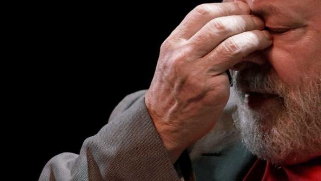 Site revela que Lula ficou desesperado ao saber que não seria solto