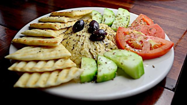 EL hummus es una comida sana con variaciones y muy fácil de hacer