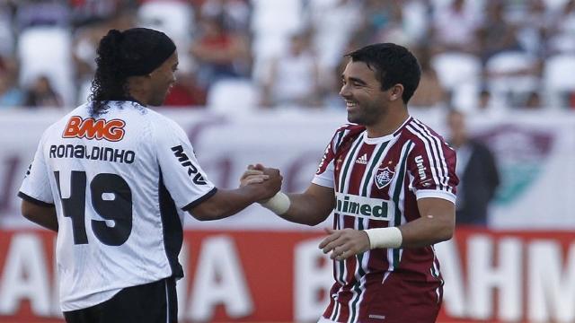 Ex-barça diz que Ronaldinho e Deco chegavam bêbados para treino