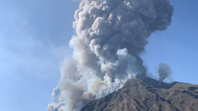 Una erupción del volcán Stromboli deja al menos un muerto en Italia
