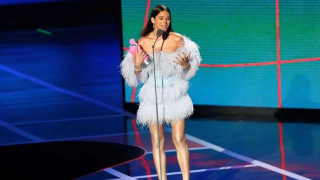 Bruna Marquezine faz discurso feminista ao receber prêmio da MTV