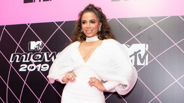 Anitta sobre discussões com Luana Piovani: 'Não perco meu tempo com isso, não'
