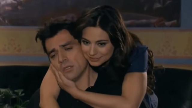 Consuelo descobre que Rogério foi traído por Ana Paula