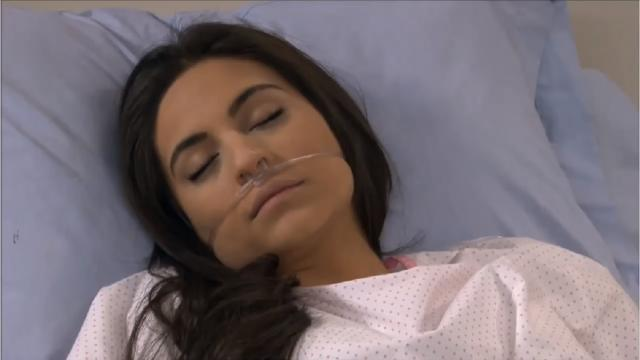 'A Que Não Podia Amar': Ana Paula passa mal e pode perder o bebê