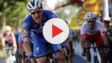 Tour de France, Elia Viviani frenato da problemi ad una ruota nella 7^ tappa