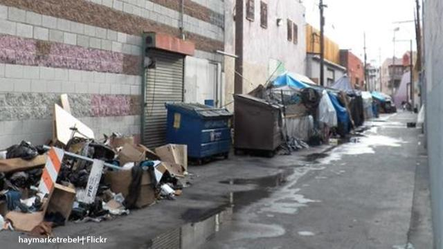 Los Angeles homeless situation sees businesses and residents placing barriers