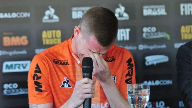 Adílson, do Atlético Mineiro, encerra a carreira por problemas no coração