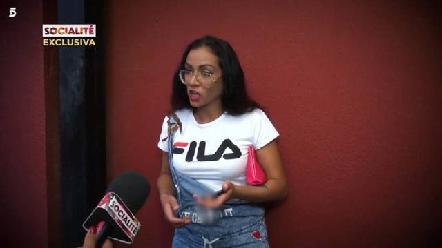 Dakota se enfada al ser preguntada por Rubén y se encara con una reportera de 'Socialité'