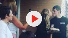 Es publicada una foto de Andrea Janeiro besando a su novio por El Nacional.cat