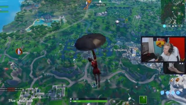 'Fortnite Battle Royale' streamer Tfue tried out a console controller