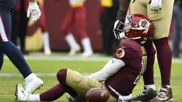 Alex Smith has external fixator removed, eight months after leg injury