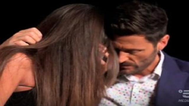 Temptation Island: Ilaria in crisi dinanzi ai filmati con protagonista Massimo