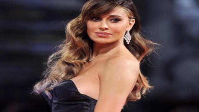 Belen Rodriguez potrebbe essere incinta: le foto che fanno sospettare i fan