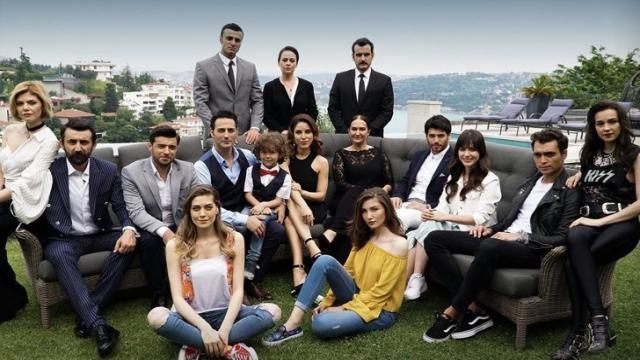 Anticipazioni Bitter sweet: scoppia di nuovo la passione tra Deniz e Ayla