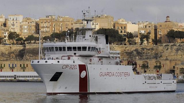 Alcuni migranti ospiti della nave Gregoretti hanno la scabbia e tbc