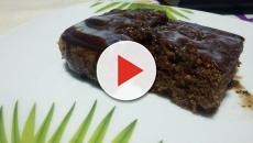 Bolo de chocolate preparado no liquidificador