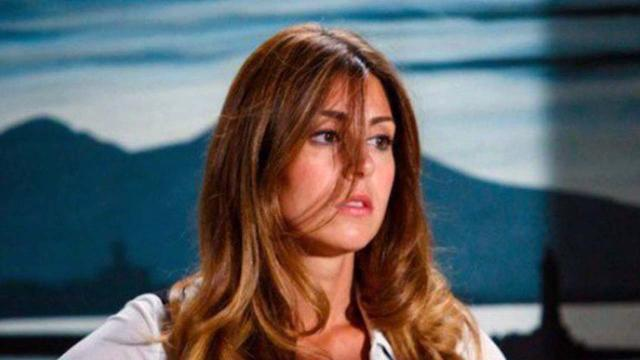 Un posto al sole, spoiler al 9 agosto: Serena cerca di dimenticare il bacio di Leonardo