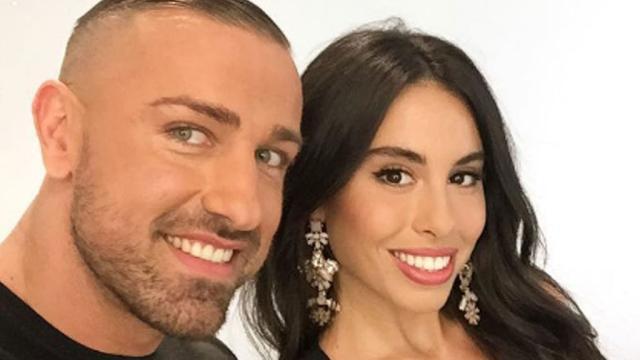 Macarena, novia de Rafa Mora, le defiende y afirma que en Cazamariposas no le ayudaron