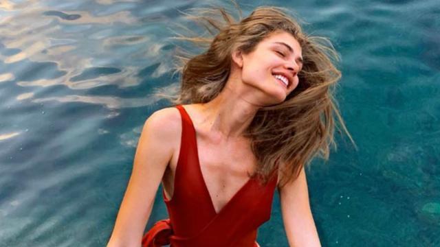Valentina Sampaio es la primera modelo trans de una linea de Victoria's Secret