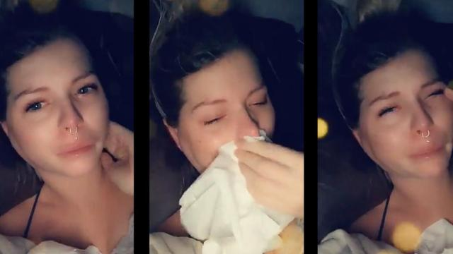 Jessica Thivenin enceinte et alitée : elle fond en larmes sur Snapchat