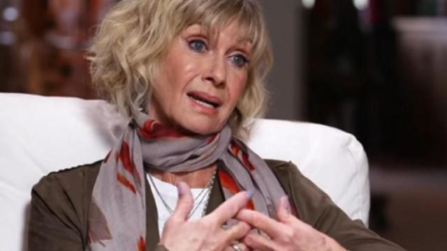 Olivia Newton-John lotta contro il cancro: 'Non voglio sapere quanto mi resta da vivere'