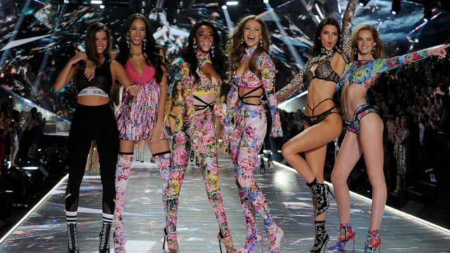 Si dimette il dirigente di Victoria's Secret che non voleva assumere modelle transgender