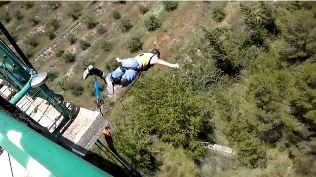 Muere el youtuber español Rubén Carbonell al intentar grabar un salto en paracaídas