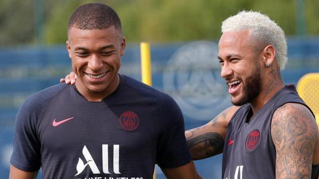 Mercato PSG : la 'guerre est lancée' pour le duo Neymar - Mbappé