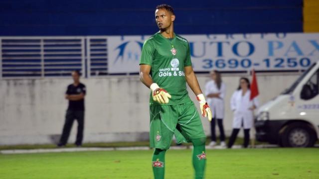 Poços de Caldas FC diz ter acordo com o goleiro Bruno para retorno ao futebol