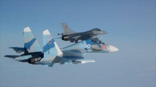 Incidente en el Báltico: Un F-18 español confronta a cazas rusos SU-27