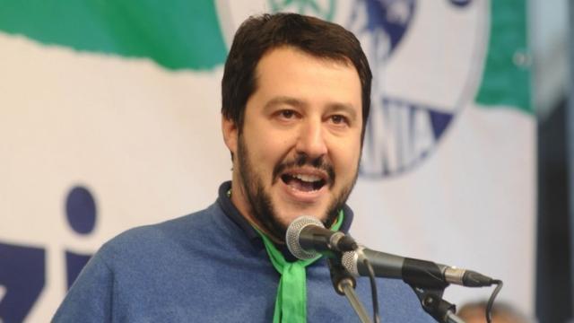 Matteo Salvini si scaglia contro Renzi: 'Non lo vota neanche la sua famiglia'