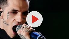 Il cantante Achille Lauro si pronuncia a favore dello sbarco dei migranti