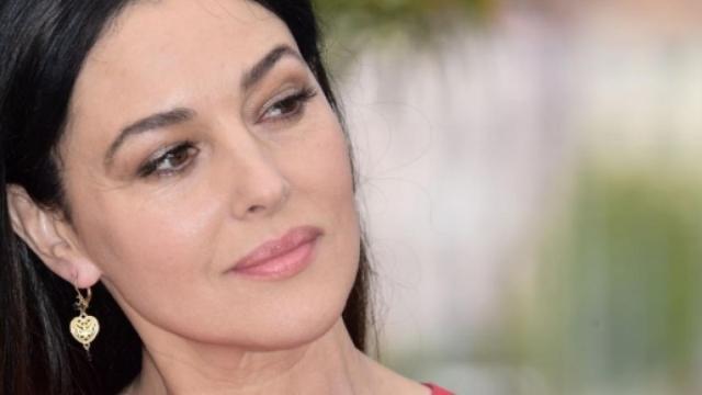 Monica Bellucci sulle figlie avute con Vincent Cassel: 'Elegantissime e parlano italiano'